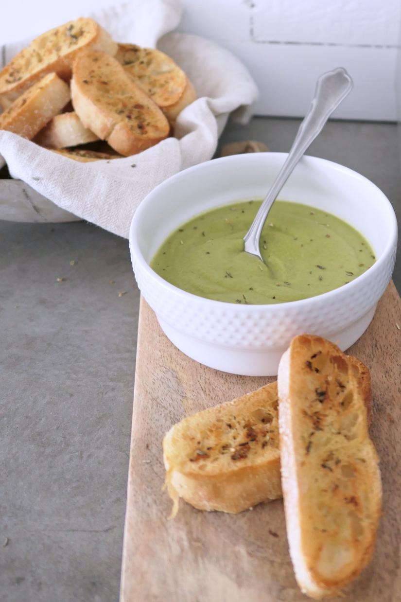 Romige aspergesoep met een geheim ingrediënt || cookedbyrenske