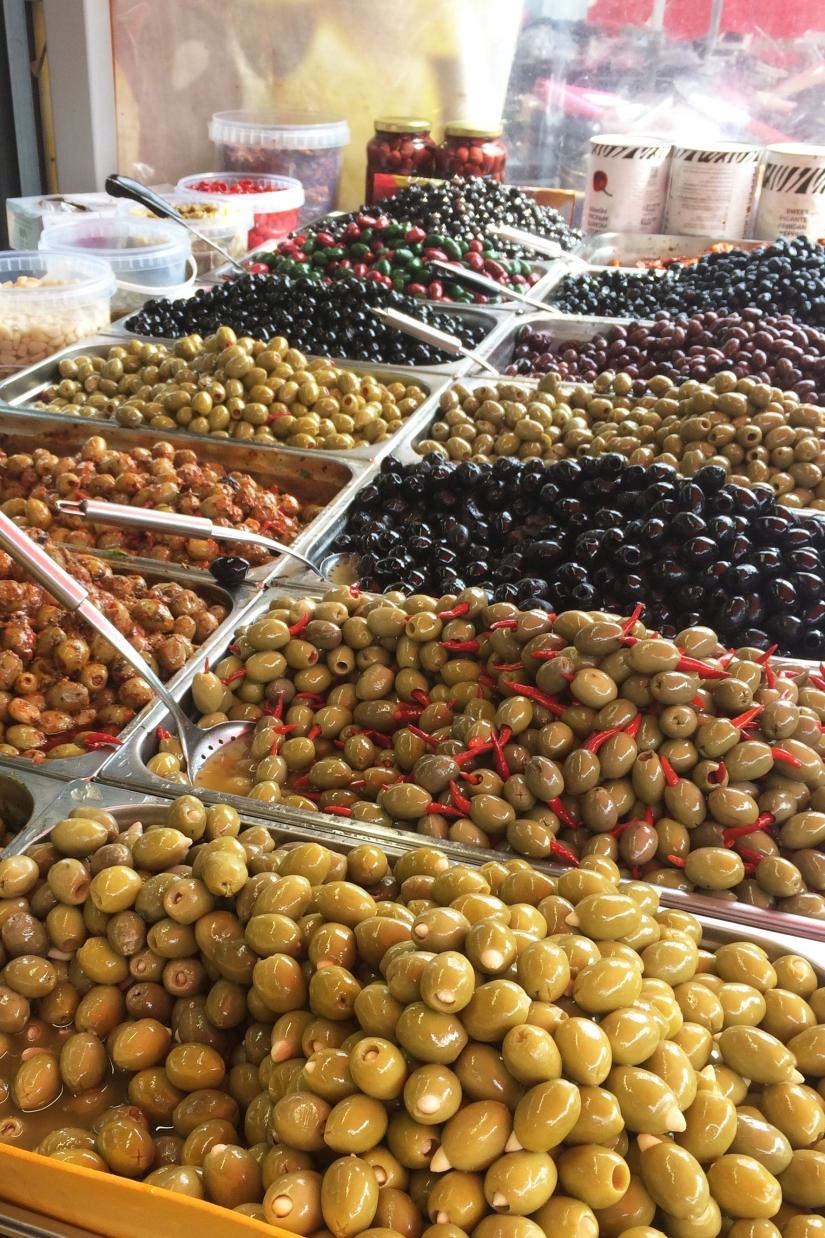 Olijven op de Haagse Markt || cookedbyrenske