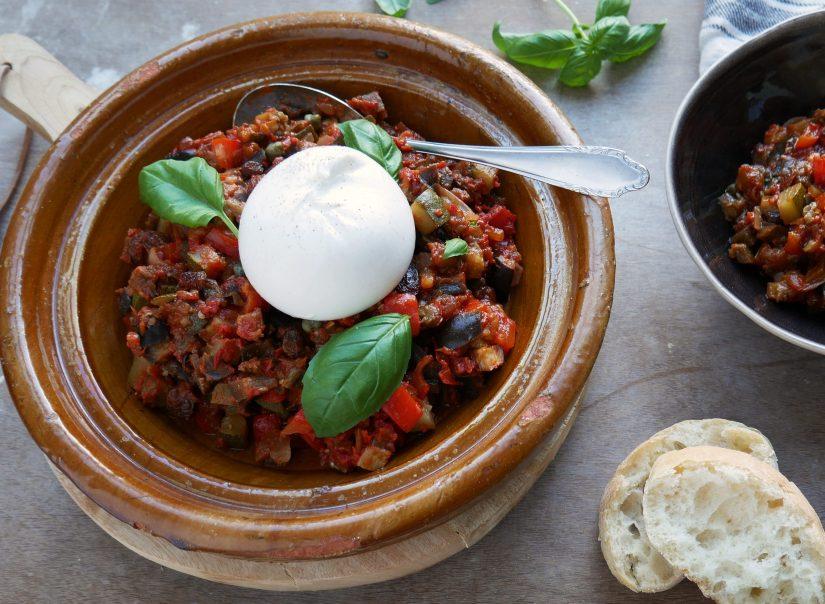 Herfstige groentestoof met burrata || cookedbyrenske