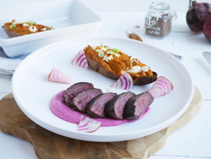 Mals hertenbiefstuk met gepofte bietencreme en twice baked zoete aardappel || cookedbyrenske