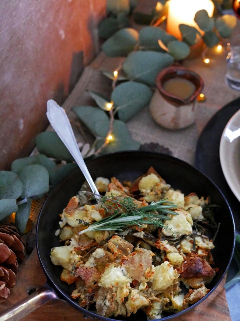 Kerstmenu hoofdgerecht; Eend met ovenaardappels en gepofte bieten knolselderij creme || krokante ovenaardappels || cookedbyrenske