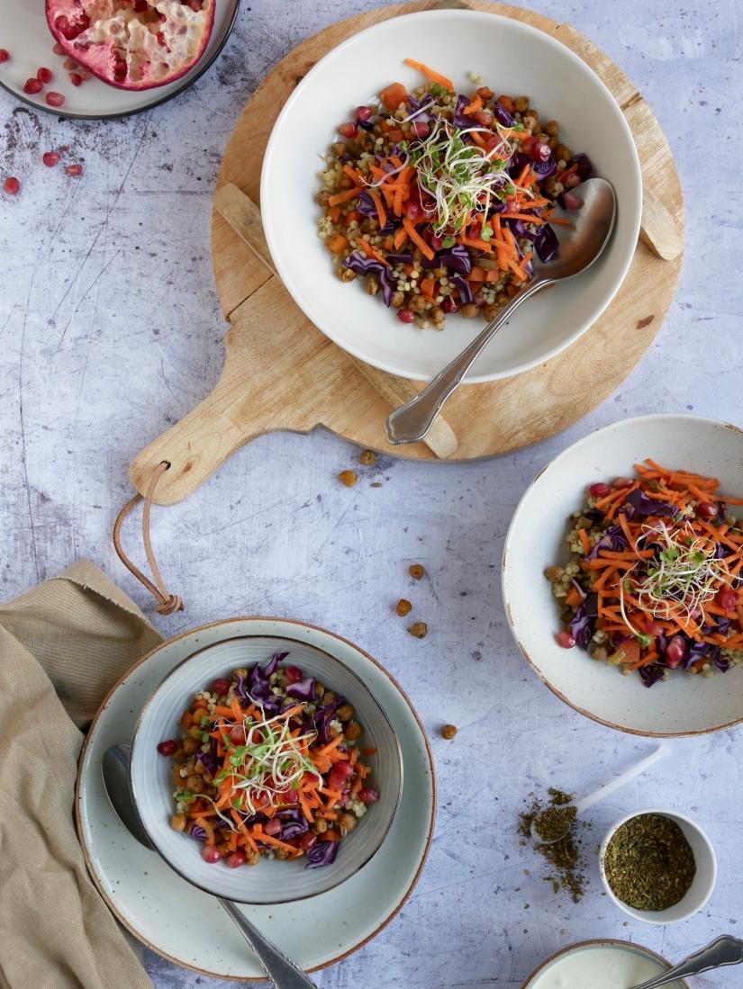 Pearl couscous salade met rode kool en vegan dressing || cookedbyrenske