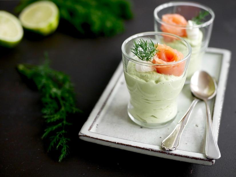 Een heerlijke amuse; avocadomousse met dille en gerookte zalm || cookedbyrenske