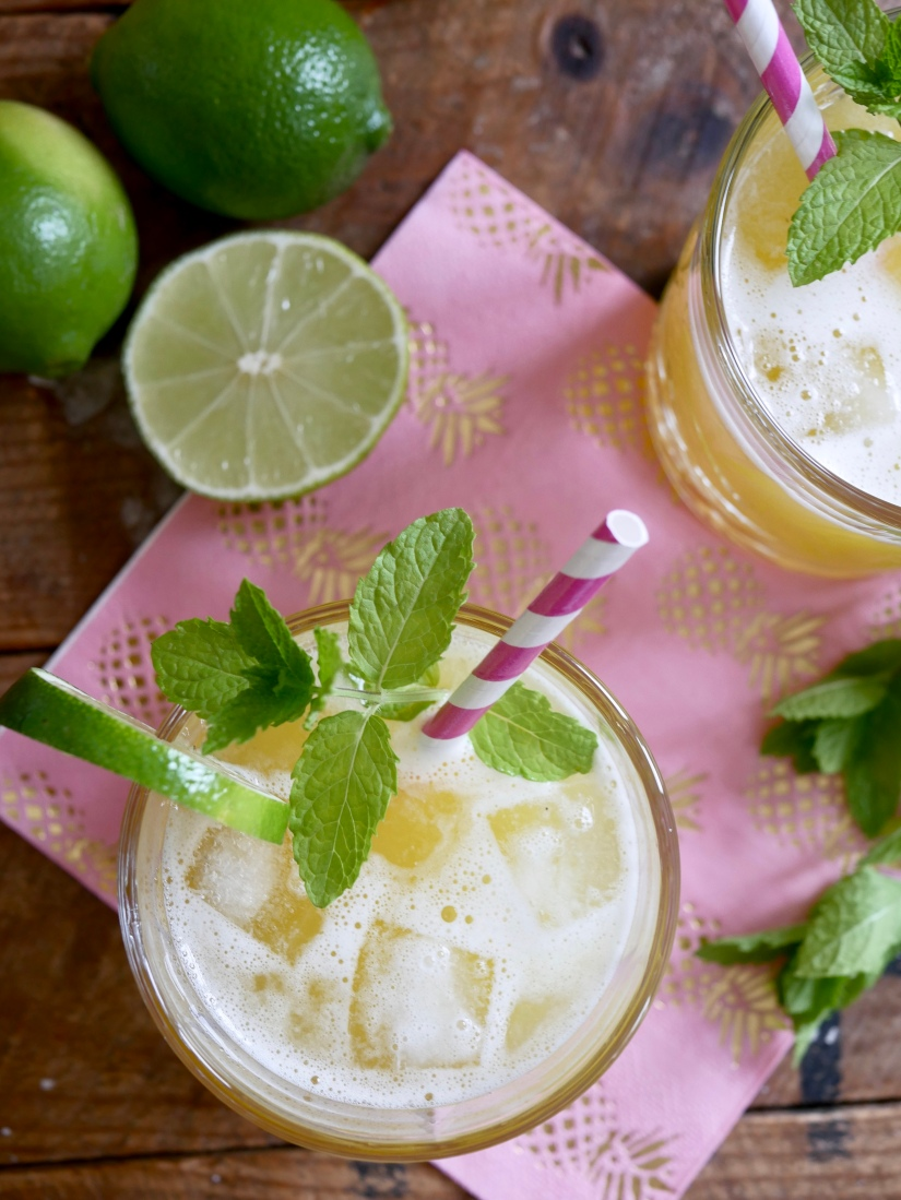 Verfrissende alcoholvrije ananas cocktail || cookedbyrenske