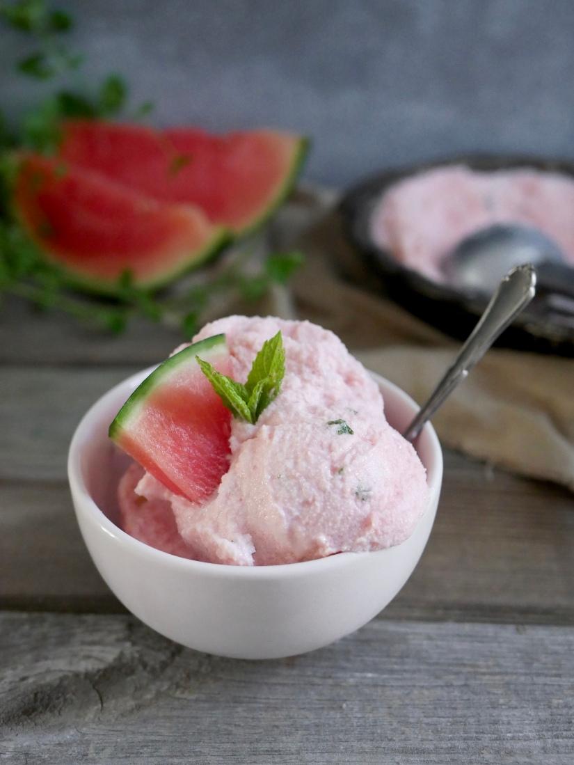 Watermeloenijs met munt    cooked by Renske